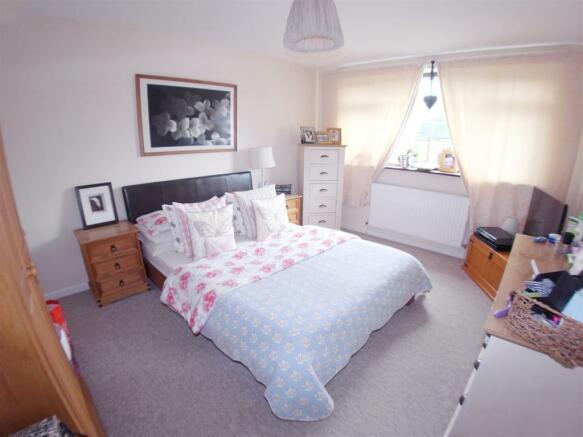 Foxwarren35.Bedroom1