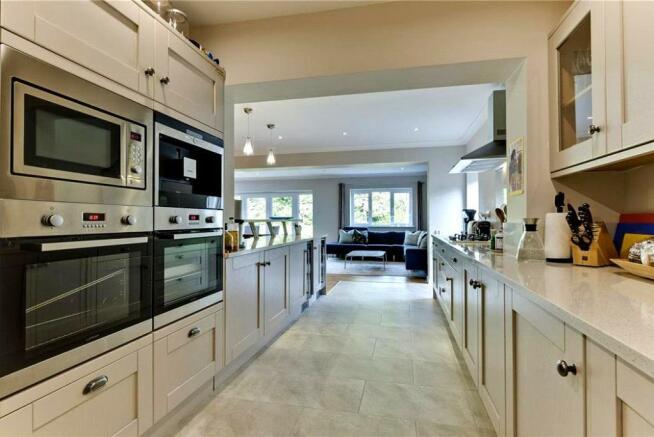 Meadway36.Kitchen.jpg