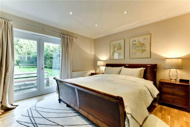 Meadway36.Bedroom1.jpg