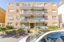 Flat in Grove Road, Surbiton