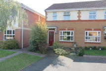 2 bed semi detached property to rent in Emes Close, Pershore...