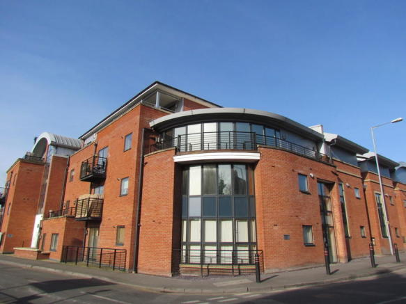 2 Bedroom Apartment For Sale In St Wulstans Court Bath Road Worcester Wr5 Wr5
