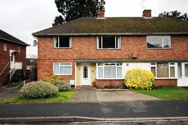 2 bedroom apartment for sale in Hillside Close Worcester