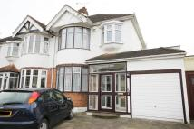 3 bed semi detached home in Marshalls Drive, Romford...