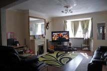 Maisonette to rent in Stoneleigh Avenue...