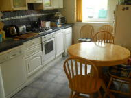 2 bed Ground Flat in Cedar Road, Bishopbriggs...