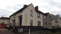 2 bedroom Flat in School Street, ...