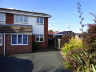 3 bedroom semi detached property to rent in Birchtree Close...