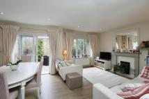 3 bed property in Lovetts Place...