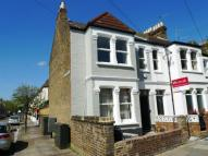 3 bedroom property in Aslett Street...