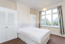 3 bed Terraced property in Morden Road, Wimbledon