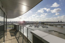 3 bed new development in The Docklands...