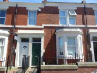 3 bed Flat to rent in Wingrove Gardens...