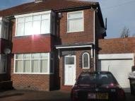 3 bedroom semi detached house to rent in Friarside Road...