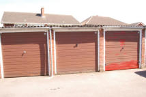 Garage in Sutton