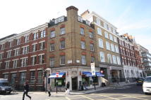 Flat to rent in Newman Street, Fitzrovia...