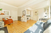 Flat to rent in Bedford Avenue...