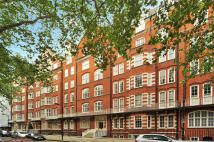 3 bed Ground Flat for sale in Bedford Avenue, London...