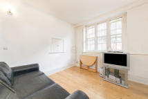 Ground Flat to rent in Flaxman Terrace, London...