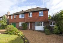 4 bed home in Woodland Way, Weybridge...