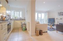 2 bedroom Flat in Dowgate House...