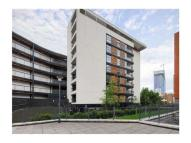 3 bedroom Flat to rent in Haillings Wharf...