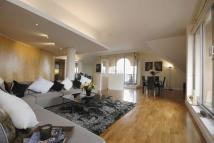 3 bed Penthouse in The Quadrangle...