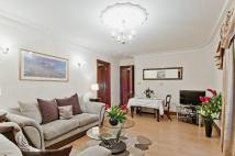 1 bed Flat in Down Street, Mayfair, W1J