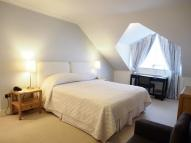 3 bed Serviced Apartments in Kensington High Street...