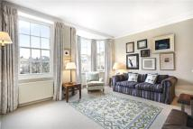 3 bed Flat for sale in Coleherne Court...