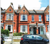 2 bed Apartment in Raised Ground Floor Flat...