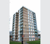 2 bedroom Flat in 5 Larchwood House...