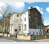 2 bed Flat for sale in Flat H...