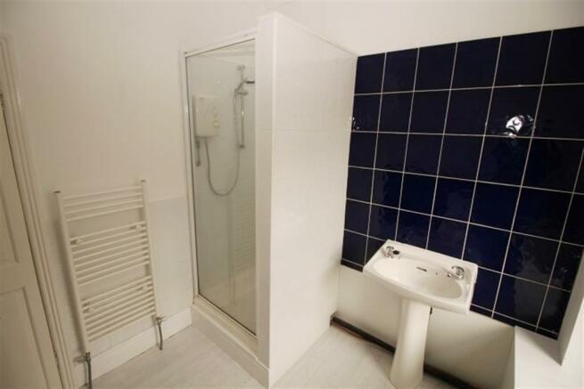 BATHROOM/ WC