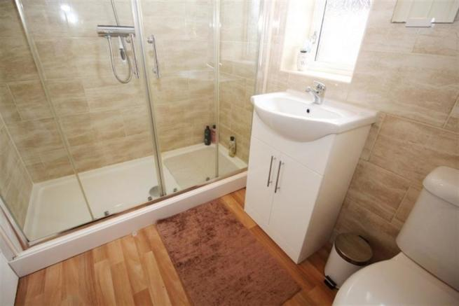 SHOWER ROOM/ WC