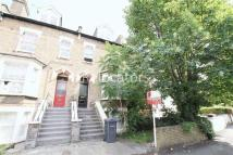 2 bedroom Flat to rent in Queensbridge Road, London