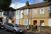 1 bed Flat to rent in Elsenham Road, London