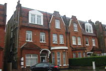 3 bedroom Flat to rent in Kilburn, London, NW6 3QA
