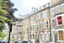2 bed Flat in Kilburn, London, NW6 4LD