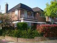5 bed Detached home to rent in Heathcroft Ealing...