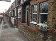 1 bedroom Ground Flat in Layton Road, Brentford