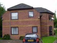 Flat in Park View Court...