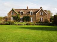 Country House to rent in SHIPTON MOYNE