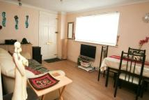2 bed Flat in Marine Court...