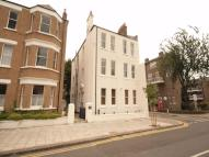 2 bedroom Apartment in Hackford Road, Oval