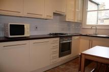 2 bedroom Flat in Crewdson Road, Oval