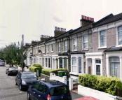 4 bed Terraced house to rent in Nutcroft Road, Peckham