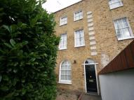 Maisonette to rent in Wandsworth Road, Vauxhall