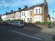 Flat in Holtwhites Hill, Enfield...