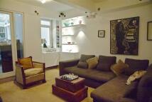 3 bed Flat to rent in de Vere Gardens...
